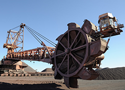 Stacker Reclaimer in South African Mine